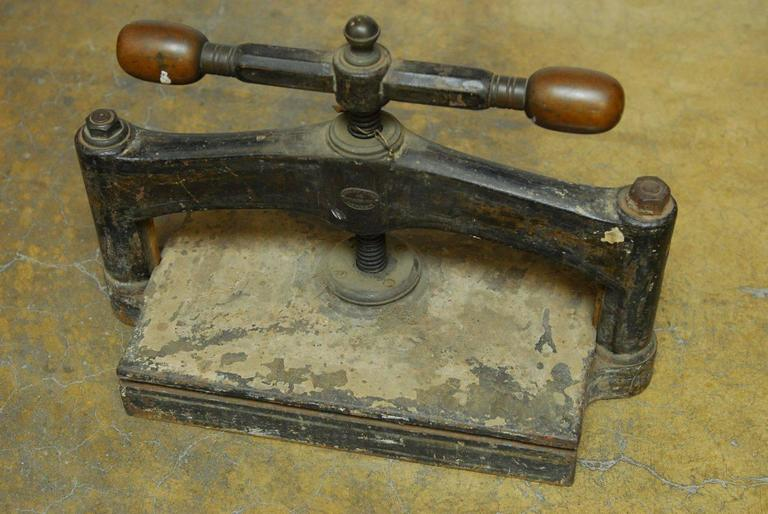 19th Century English Book Press For Sale 1