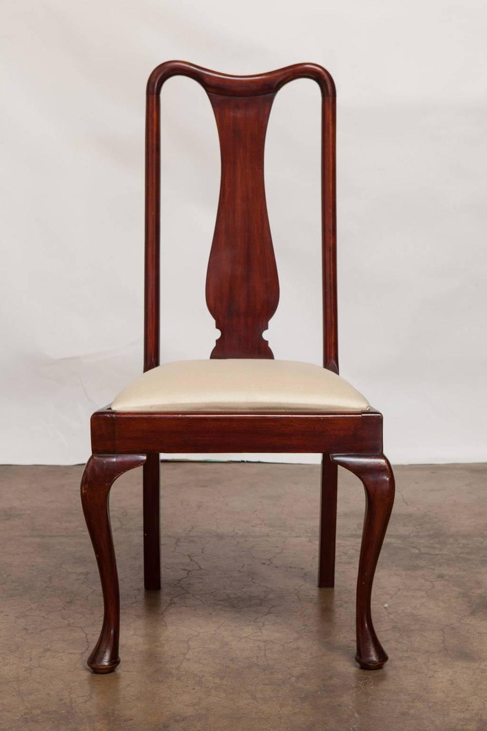 Set of Four Queen Anne Style Mahogany Dining Chairs For  : MG0358z from www.1stdibs.com size 1000 x 1500 jpeg 92kB