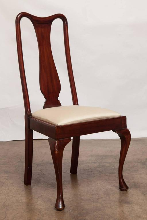 Set of four queen anne style mahogany dining chairs at 1stdibs for Dining room chairs queen anne