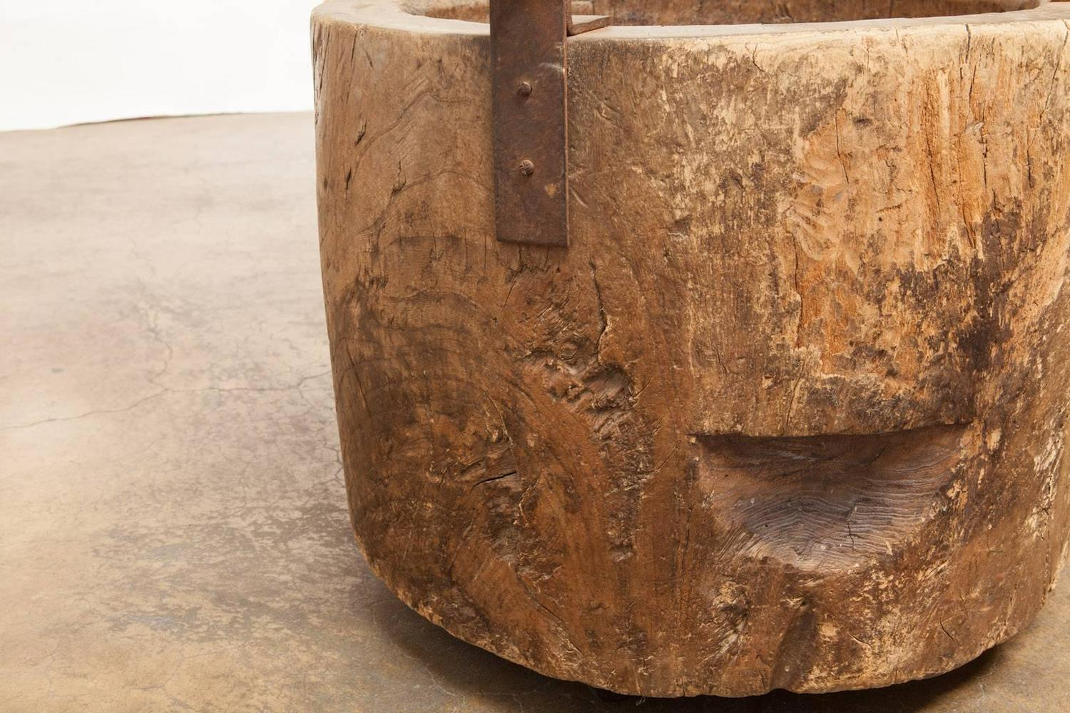 Organic reclaimed japanese usu tree trunk pedestal dining for Tree trunk dining room table