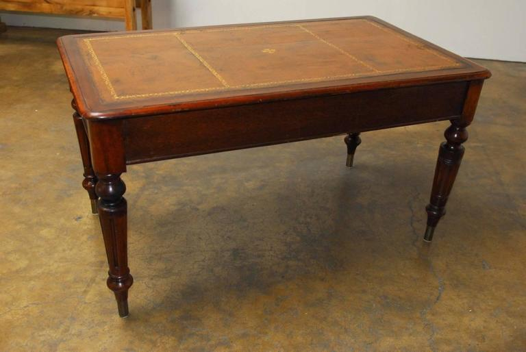 19th Century, English Regency Walnut Writing Table For Sale 4