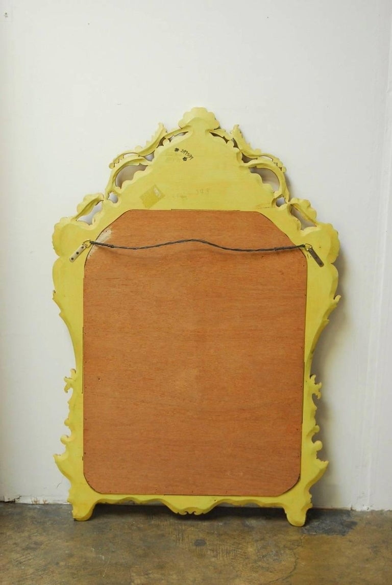 Venetian Chinoiserie Gilt and Lacquered Mirror For Sale 3