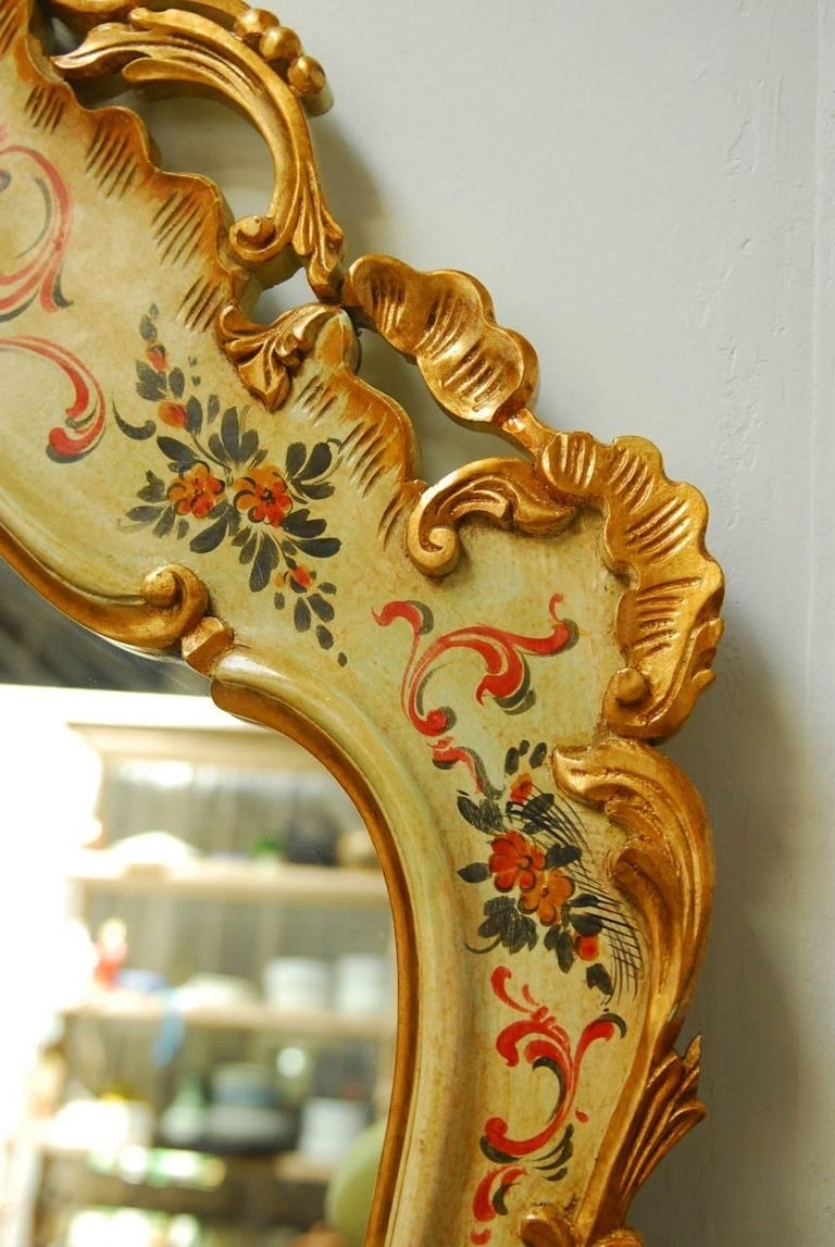 Venetian Chinoiserie Gilt and Lacquered Mirror For Sale 2