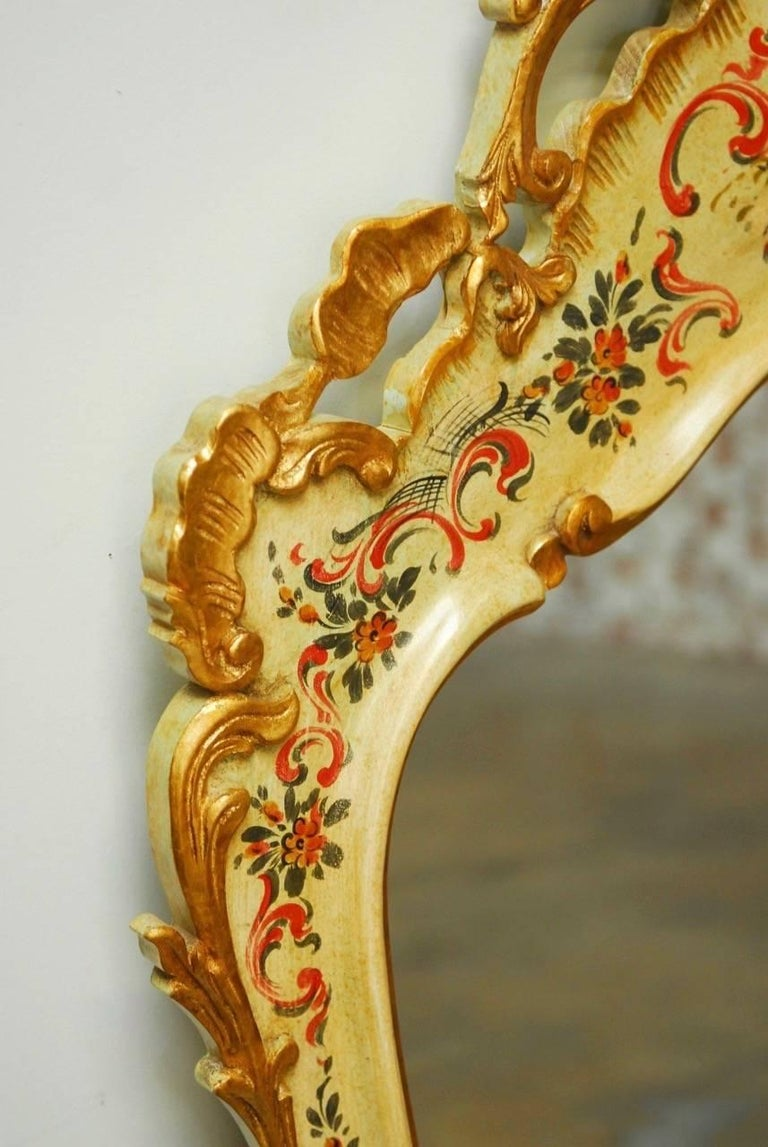 Italian Venetian Chinoiserie Gilt and Lacquered Mirror For Sale