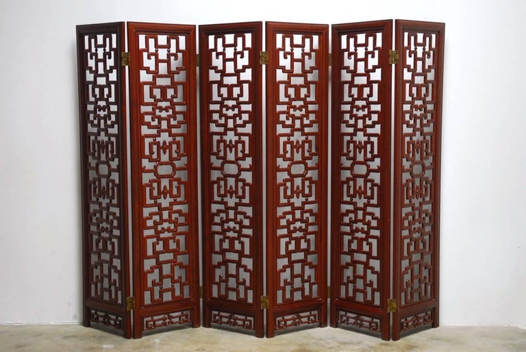 Chinese Six-Panel Rosewood Carved Lattice Screen For Sale 3