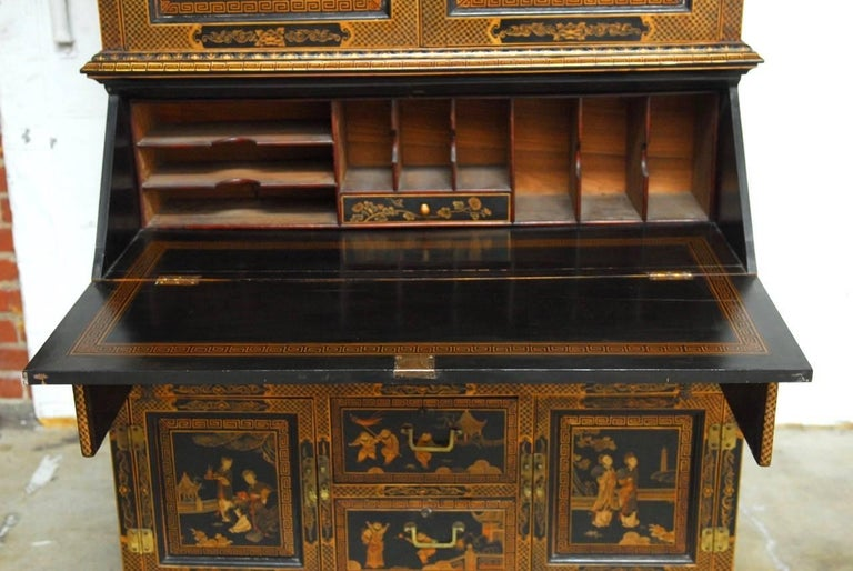 18th Century English Chinoiserie Lacquered Secretary Cabinet For Sale 1 - 18th Century English Chinoiserie Lacquered Secretary Cabinet At 1stdibs