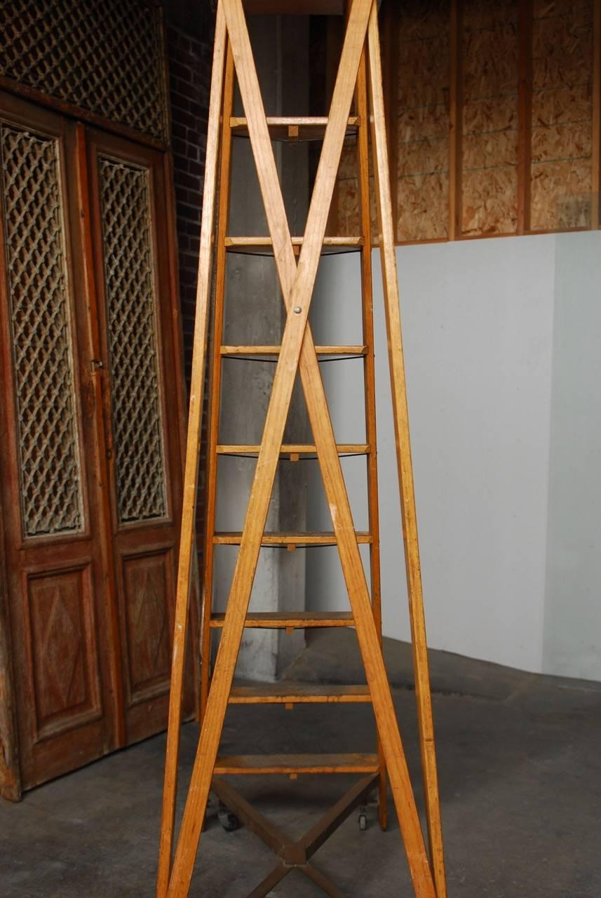 Incroyable English Style Oak Library Ladder Staircase For Sale 6