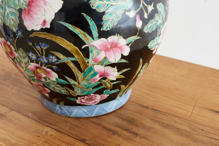 Chinese Export Famille Noir Porcelain Ginger Jar For Sale 5