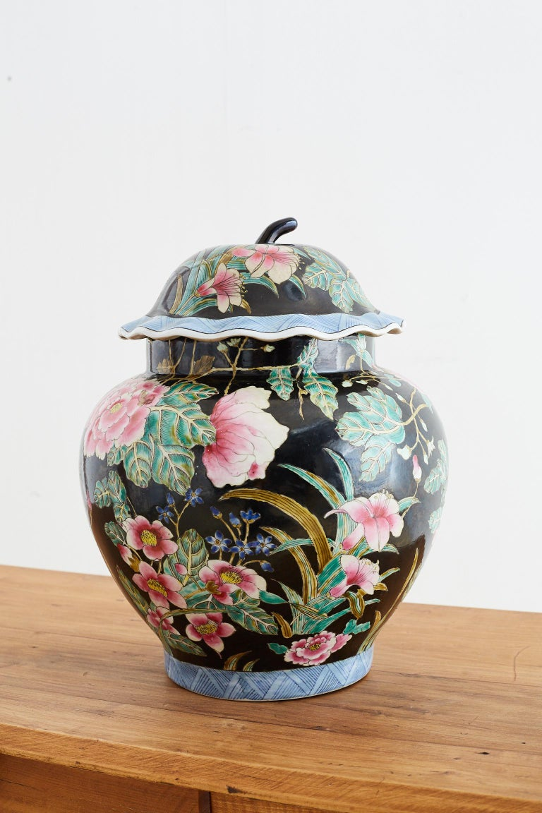 Chinese Export Famille Noir Porcelain Ginger Jar For Sale 7