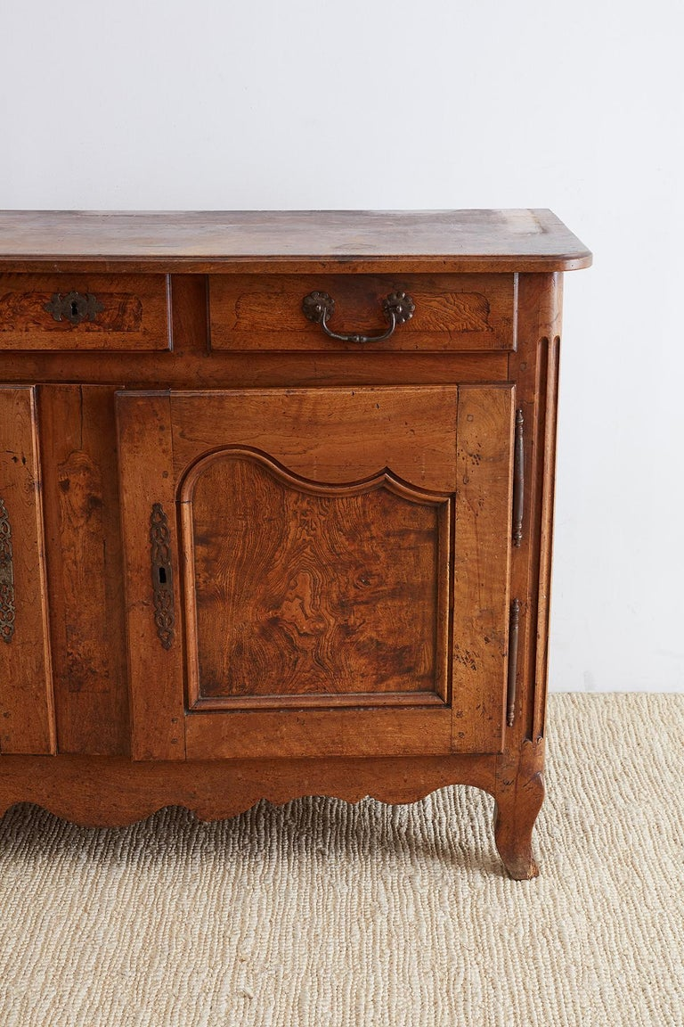 18th Century and Earlier 18th Century Louis XV Walnut Vaisselier Buffet Sideboard For Sale