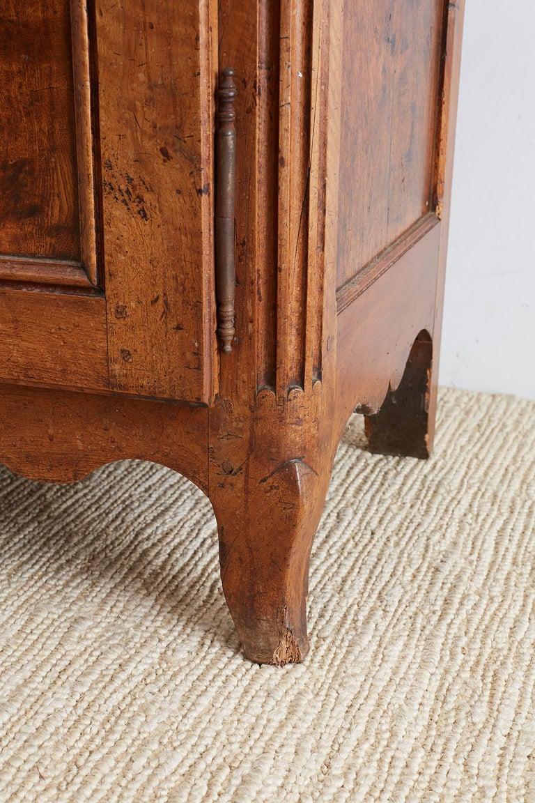 18th Century Louis XV Walnut Vaisselier Buffet Sideboard For Sale 9