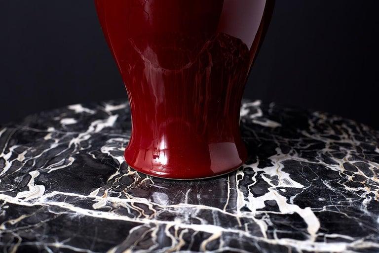 Chinese Sang de Boeuf Oxblood Glazed Porcelain Vase For Sale 3