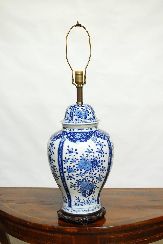 blue and white ginger jar lamp at 1stdibs. Black Bedroom Furniture Sets. Home Design Ideas