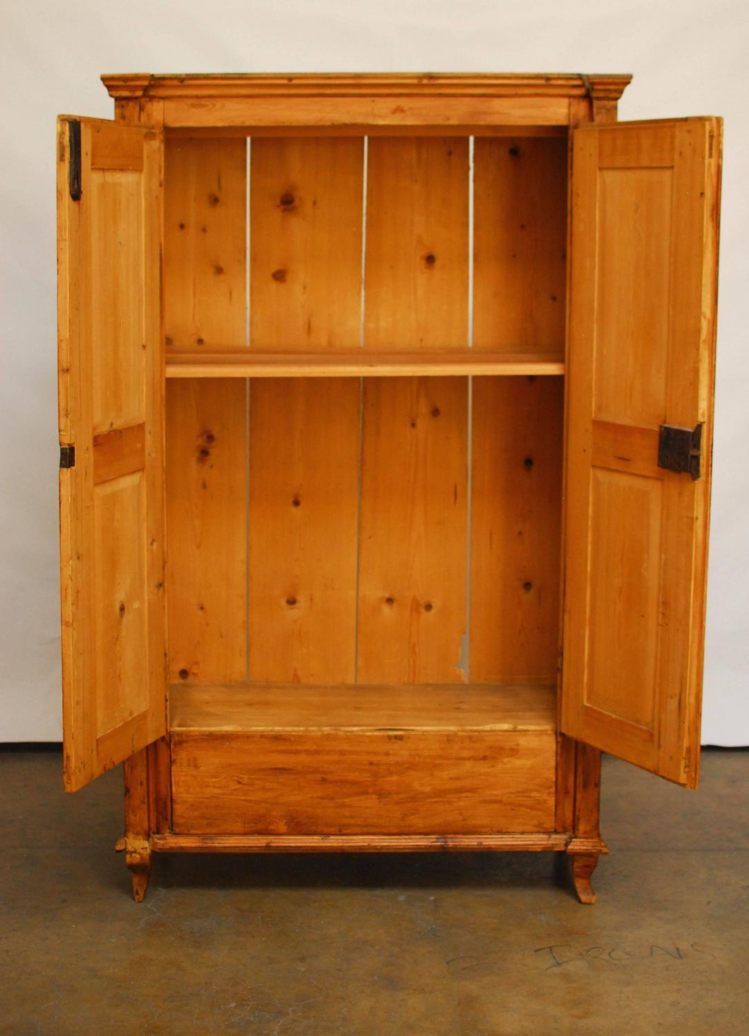 19th century french pine armoire for sale at 1stdibs. Black Bedroom Furniture Sets. Home Design Ideas