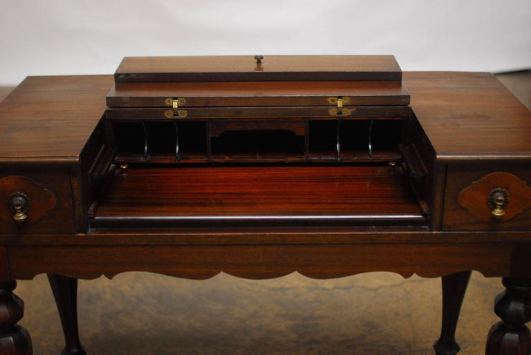 American Mahogany Spinet Desk In Excellent Condition In Oakland, CA