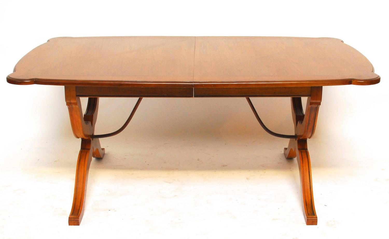 spanish colonial style trestle dining table for sale at 1stdibs. Black Bedroom Furniture Sets. Home Design Ideas
