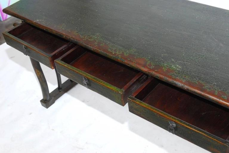 Chinese Lacquered Desk with Serpentine Legs In Distressed Condition For Sale In Oakland, CA