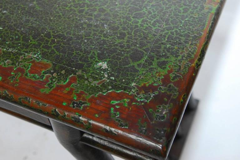 Chinese Lacquered Desk with Serpentine Legs For Sale 1