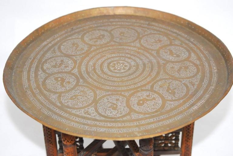 20th Century Pair of Moroccan Brass Tray and Wood Drink Tables For Sale
