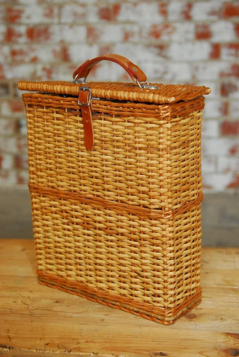 Abercrombie And Fitch Picnic Basket With Sandwich Tins And