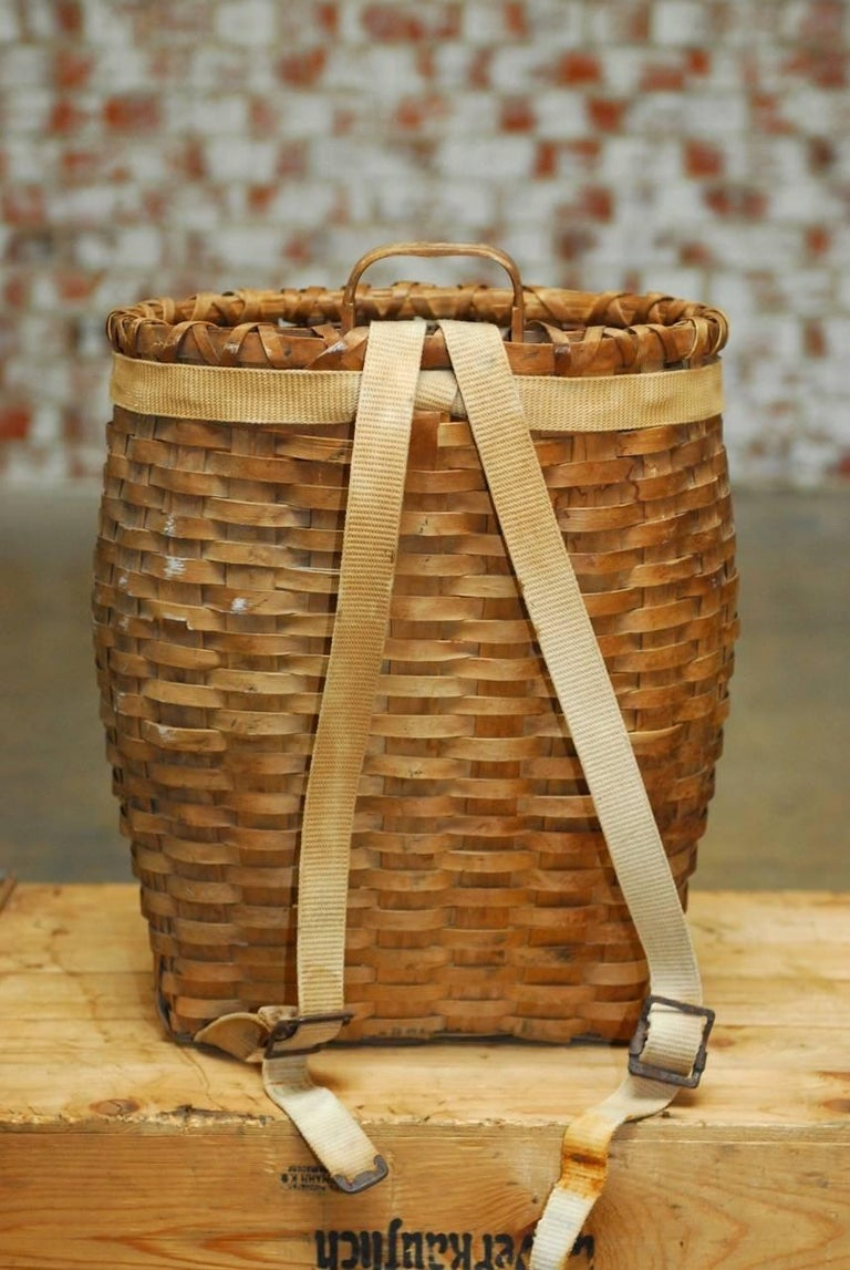 American Adirondack Trappers Basket Or Pack Basket At 1stdibs