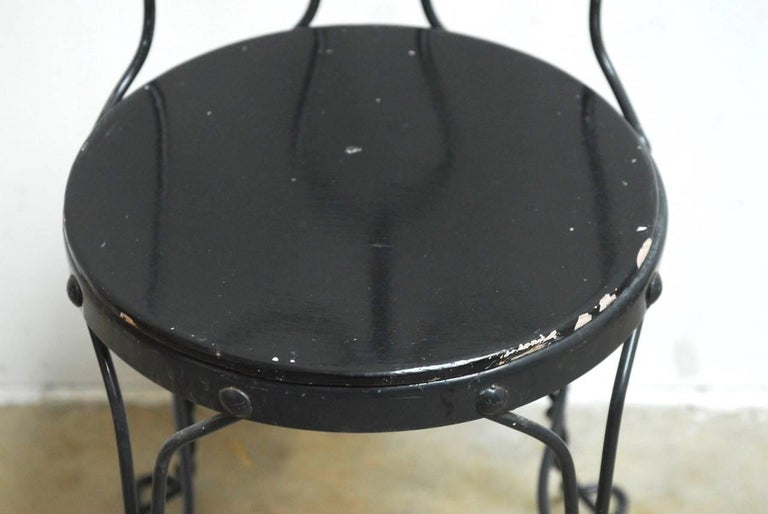 Set of Four Metal Bistro or Ice Cream Parlor Chairs  In Good Condition In Oakland, CA