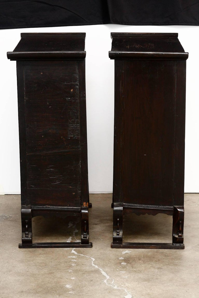 Pair of 19th Century Qing Dynasty Apothecary Cabinets or Chests  In Good Condition For Sale In Oakland, CA