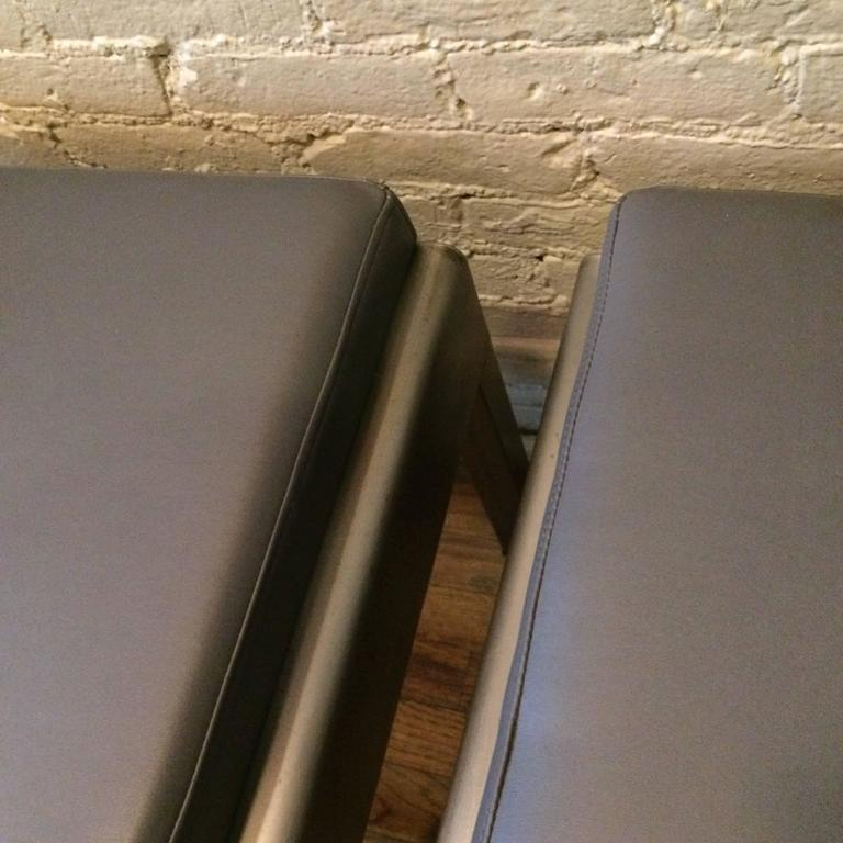 Pair of Art Deco Ottomans by Norman Bel Geddes for Simmons In Good Condition For Sale In Brooklyn, NY
