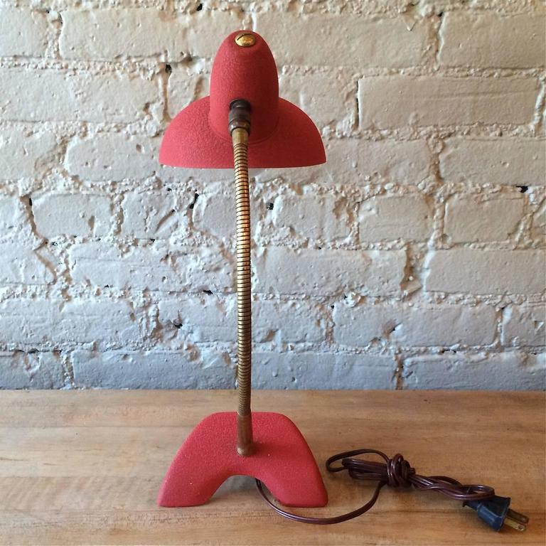 Mid Century Modern Red Gooseneck Desk Lamp In Good Condition For Sale In Brooklyn, NY
