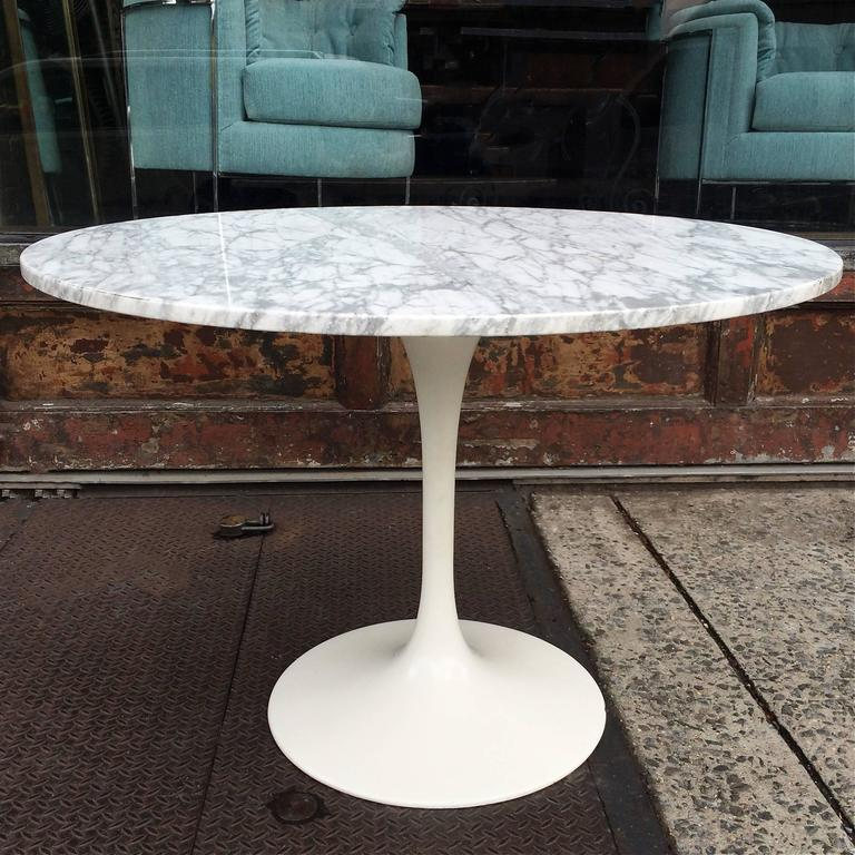 Mid Century Modern Marble Table: Mid-Century Modern Tulip Base Dining Table With Round
