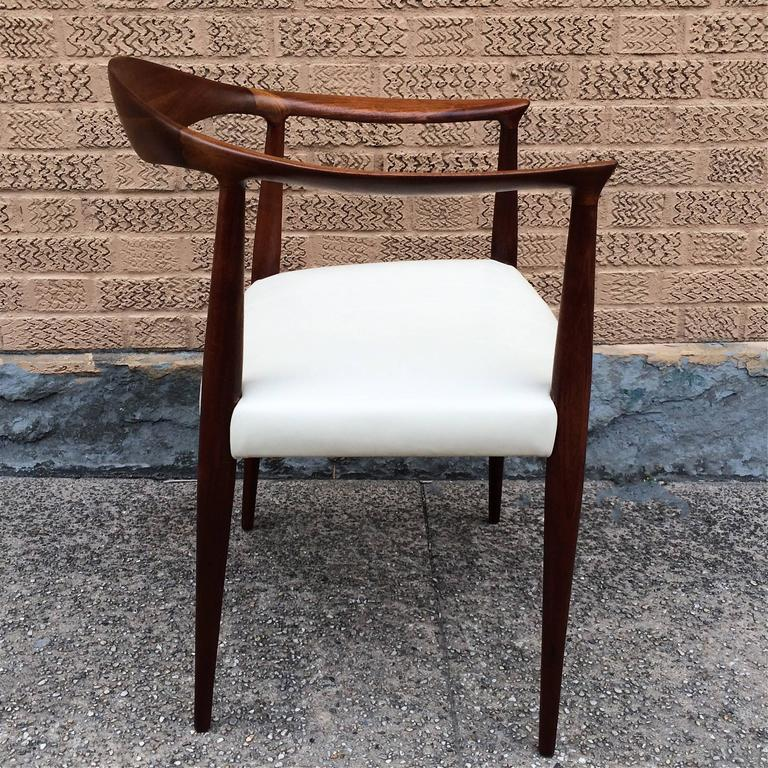 Mid 20th Century Mid Century Modern Walnut And Leather Hans Wegner Style  Armchair For
