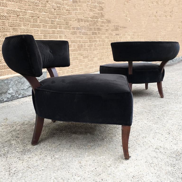 American Pair Of William Haines Style Hollywood Regency Velvet Slipper  Hostess Chairs For Sale