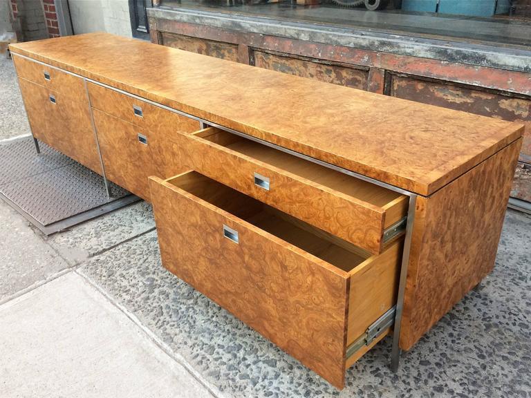 20th Century Rare Gordon Bunshaft SOM Architect Floating Burl Olive Wood Credenza For Sale