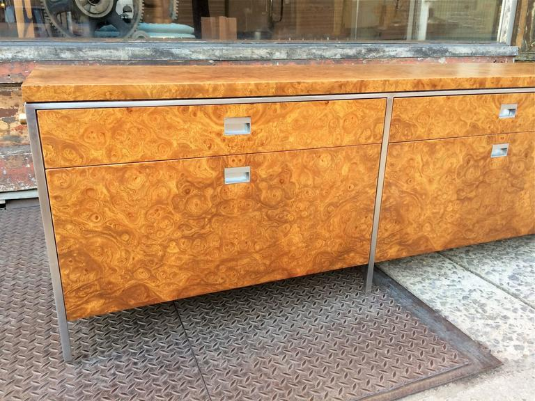 Rare Gordon Bunshaft SOM Architect Floating Burl Olive Wood Credenza In Good Condition For Sale In Brooklyn, NY