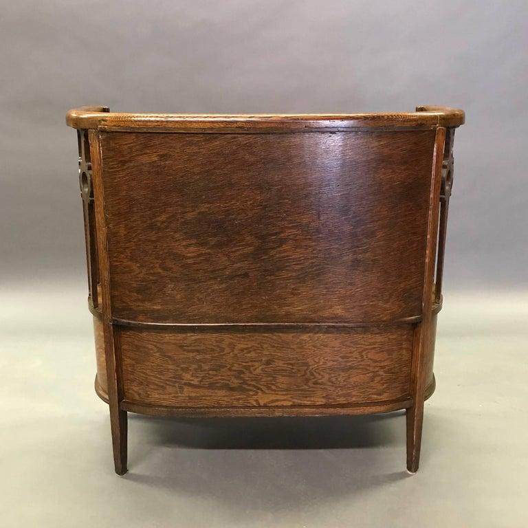 antique carved tiger oak entryway settle storage bench for sale at 1stdibs. Black Bedroom Furniture Sets. Home Design Ideas