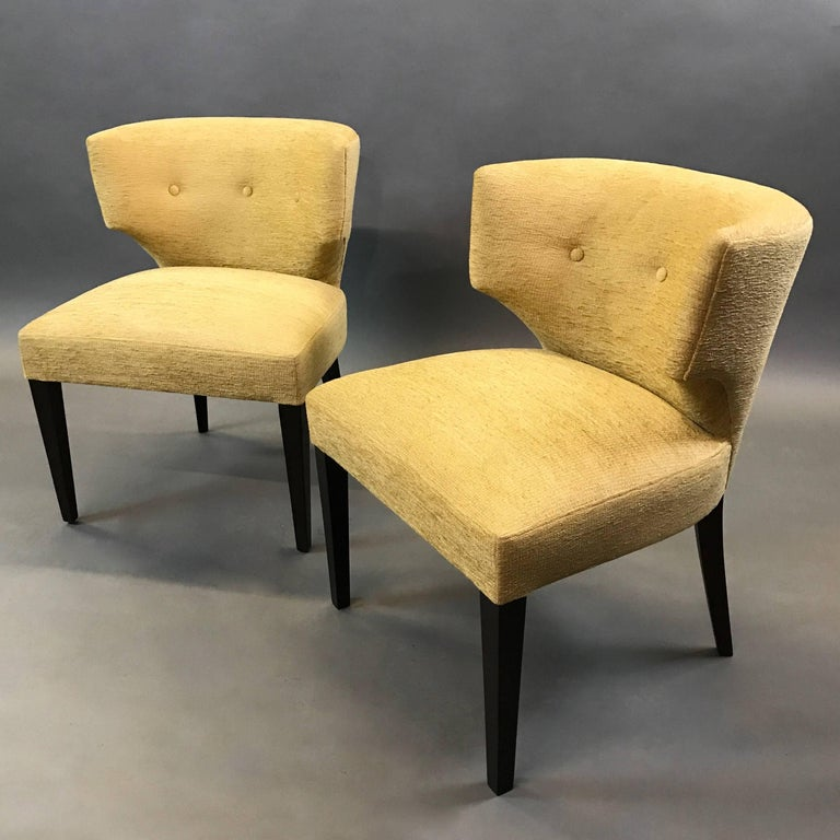Pair of Hollywood Regency Upholstered Klismos Slipper Chairs In Excellent Condition For Sale In Brooklyn, NY