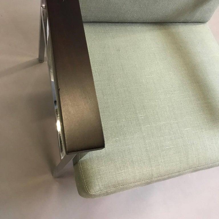 Mid-Century Modern Upholstered Chrome Armchair For Sale 2
