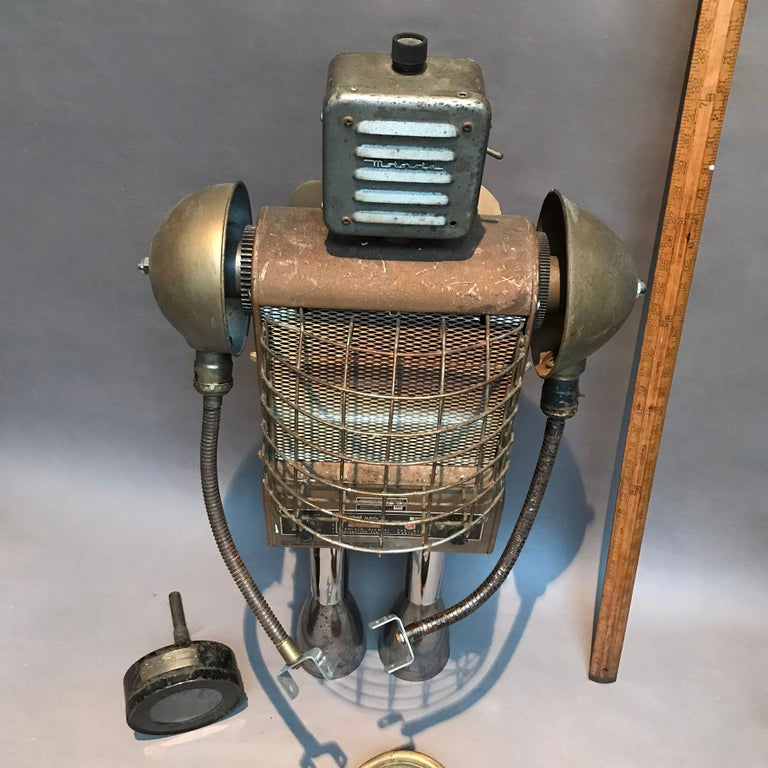 Markel Robot Sculpture by Bennett Robot Works In Excellent Condition For Sale In Brooklyn, NY