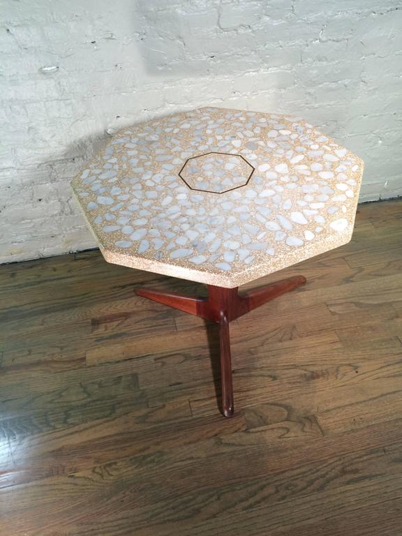 Mid Century Modern Terrazzo Pedestal Side Table By Harvey Probber  In Good Condition For Sale In Brooklyn, NY
