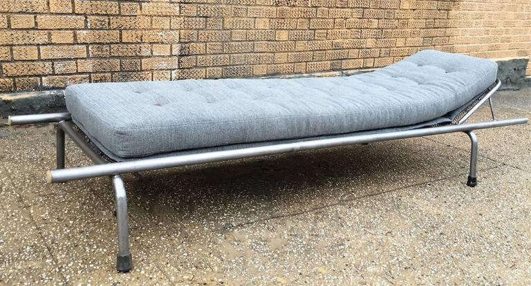 Industrial tubular steel chaise longue for sale at 1stdibs - Chaise longue aluminium ...