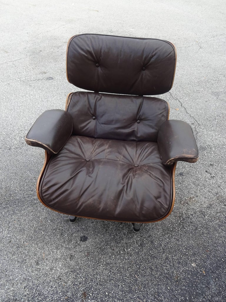 French Eames Lounge Chair, Original Vitra Model 1st Generation For Sale