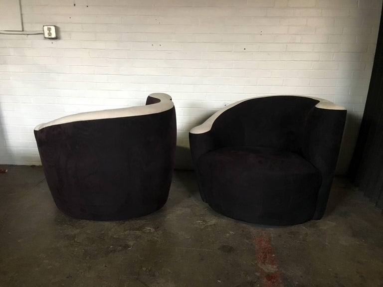 Late 20th Century Pair of Vladimir Kagan for Weiman Nautilus Swivel Chairs For Sale