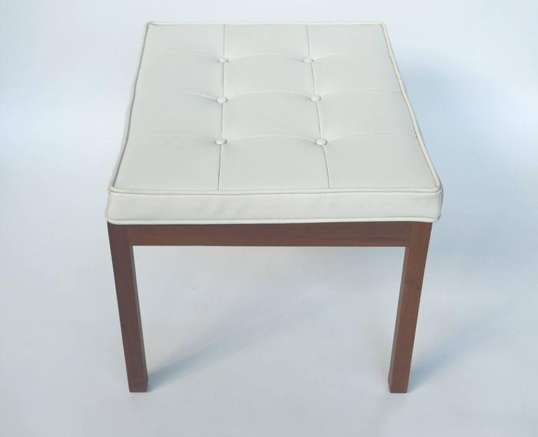 1960s White Vinyl Tufted Bench By Hibriten Chair Co For