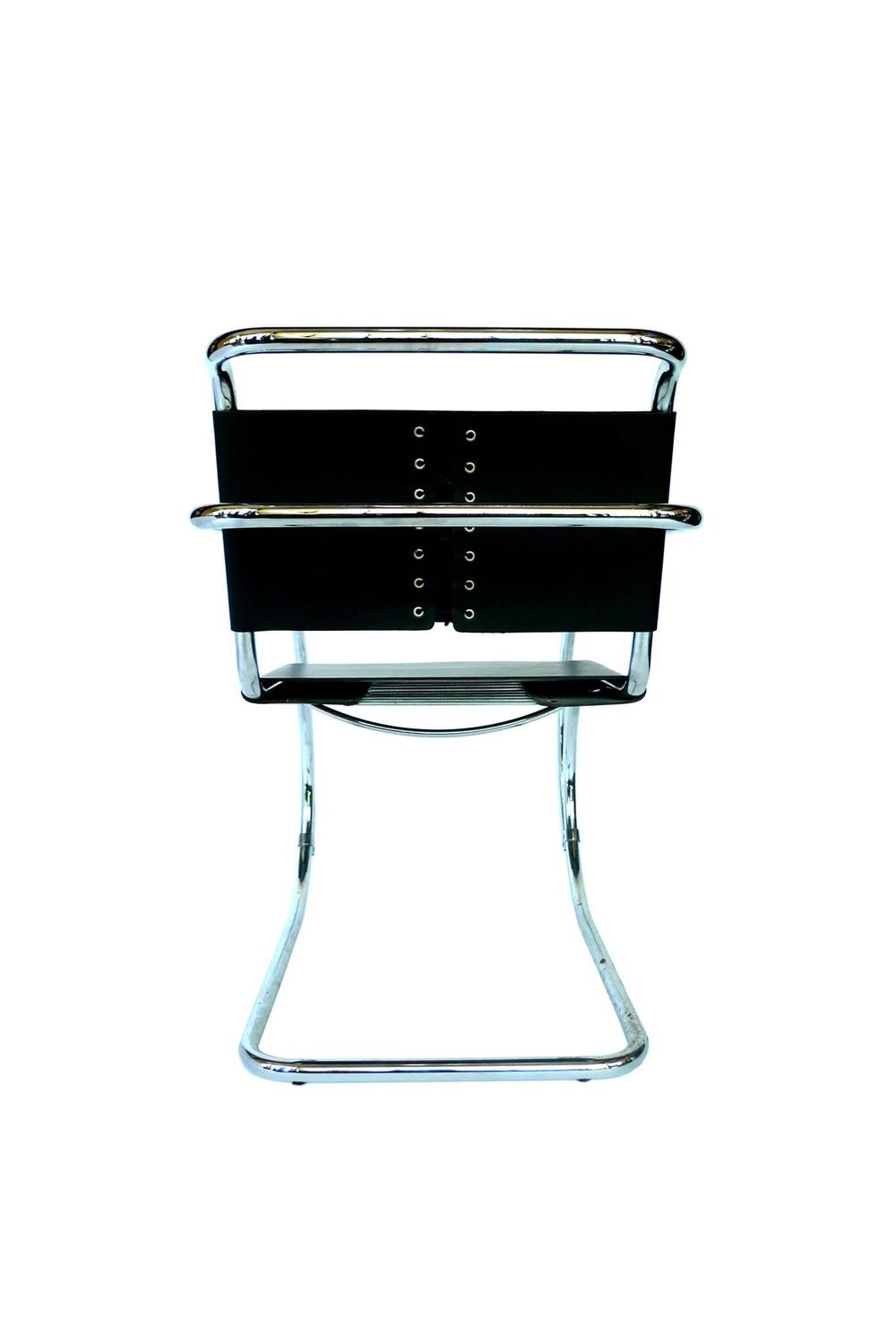 set of four mies van der rohe mr chairs for sale at 1stdibs. Black Bedroom Furniture Sets. Home Design Ideas