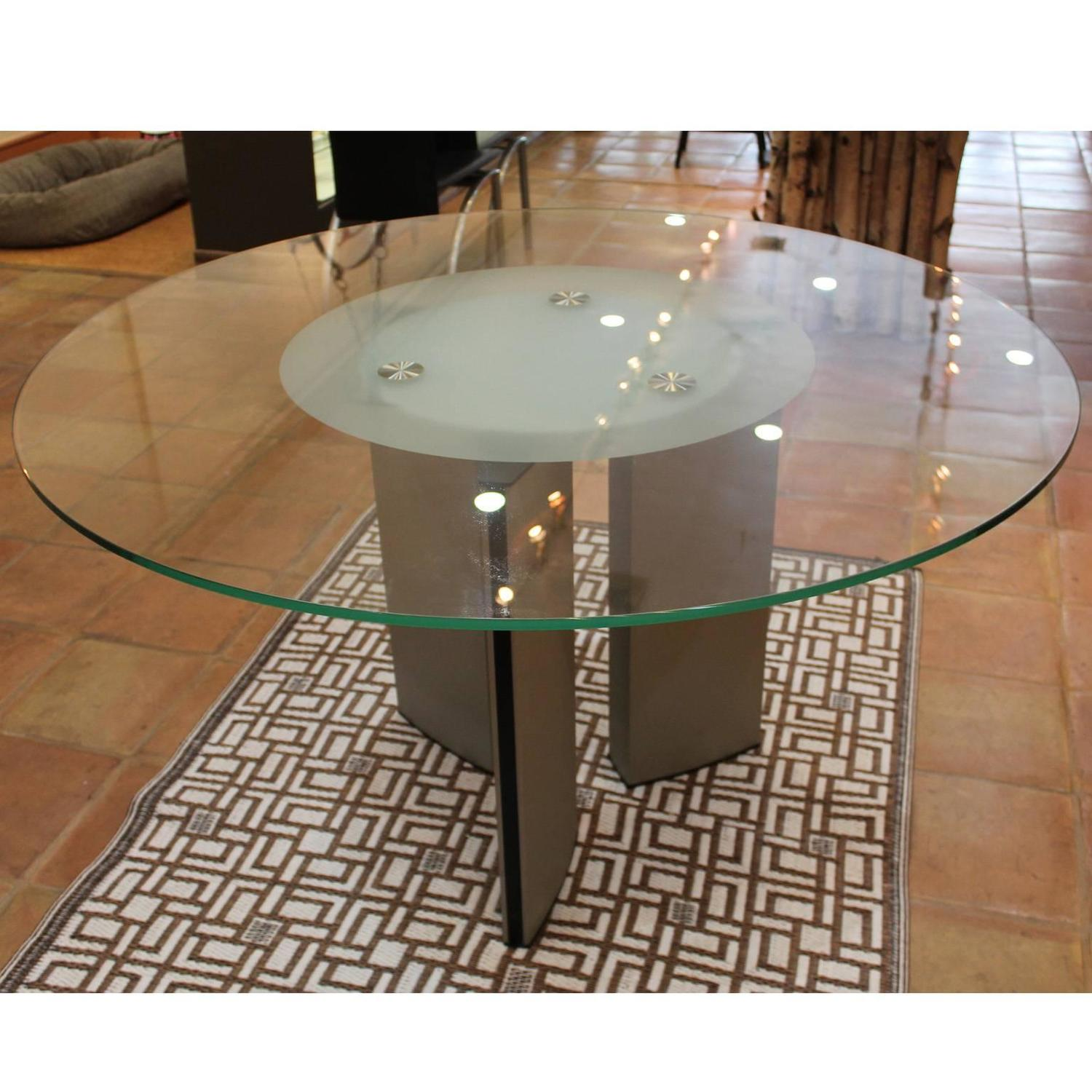 Round Modern Dining Table At 1stdibs