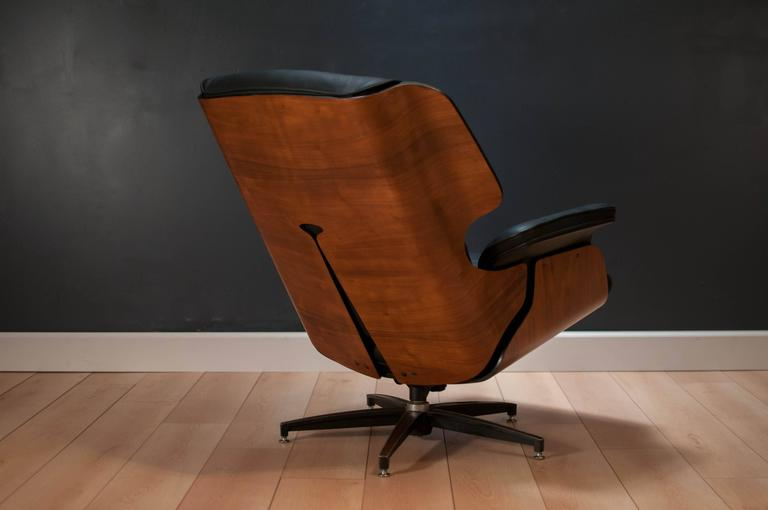 Drexel Declaration Leather Lounge Chair and Ottoman In Good Condition In San Jose, CA