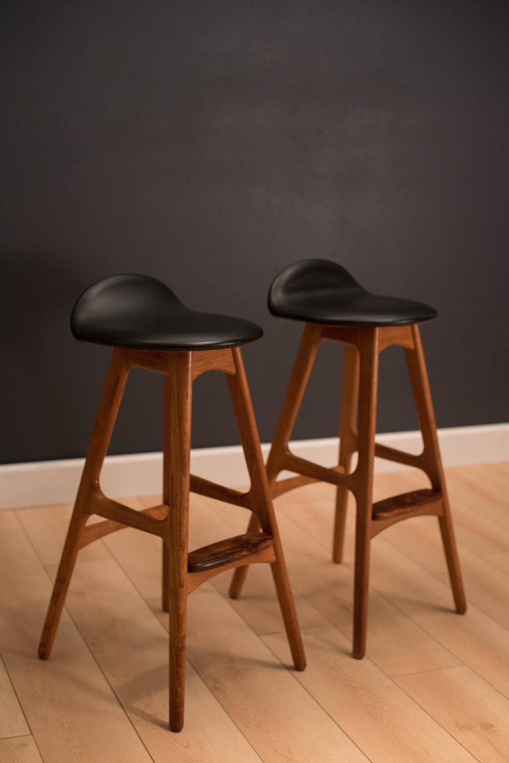Mid century pair of erik buch bar stools at 1stdibs - Erik buch bar stool ...