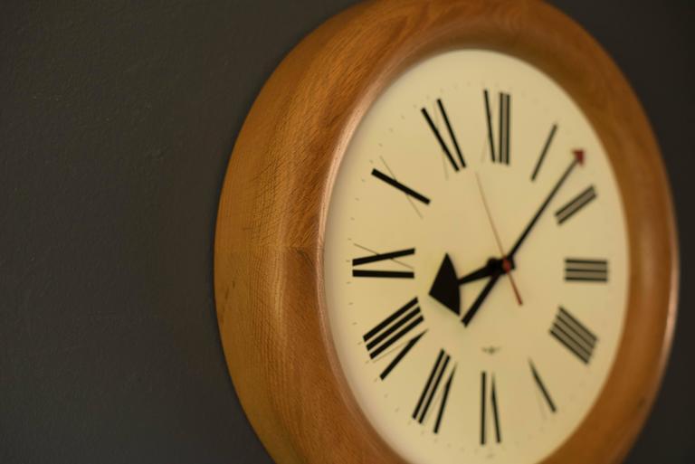 vintage arthur umanoff howard miller clock 3 - Howard Miller Clocks