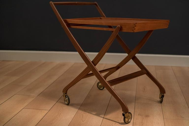 Vintage Danish Teak Folding Bar Cart In Good Condition For Sale In San Jose, CA