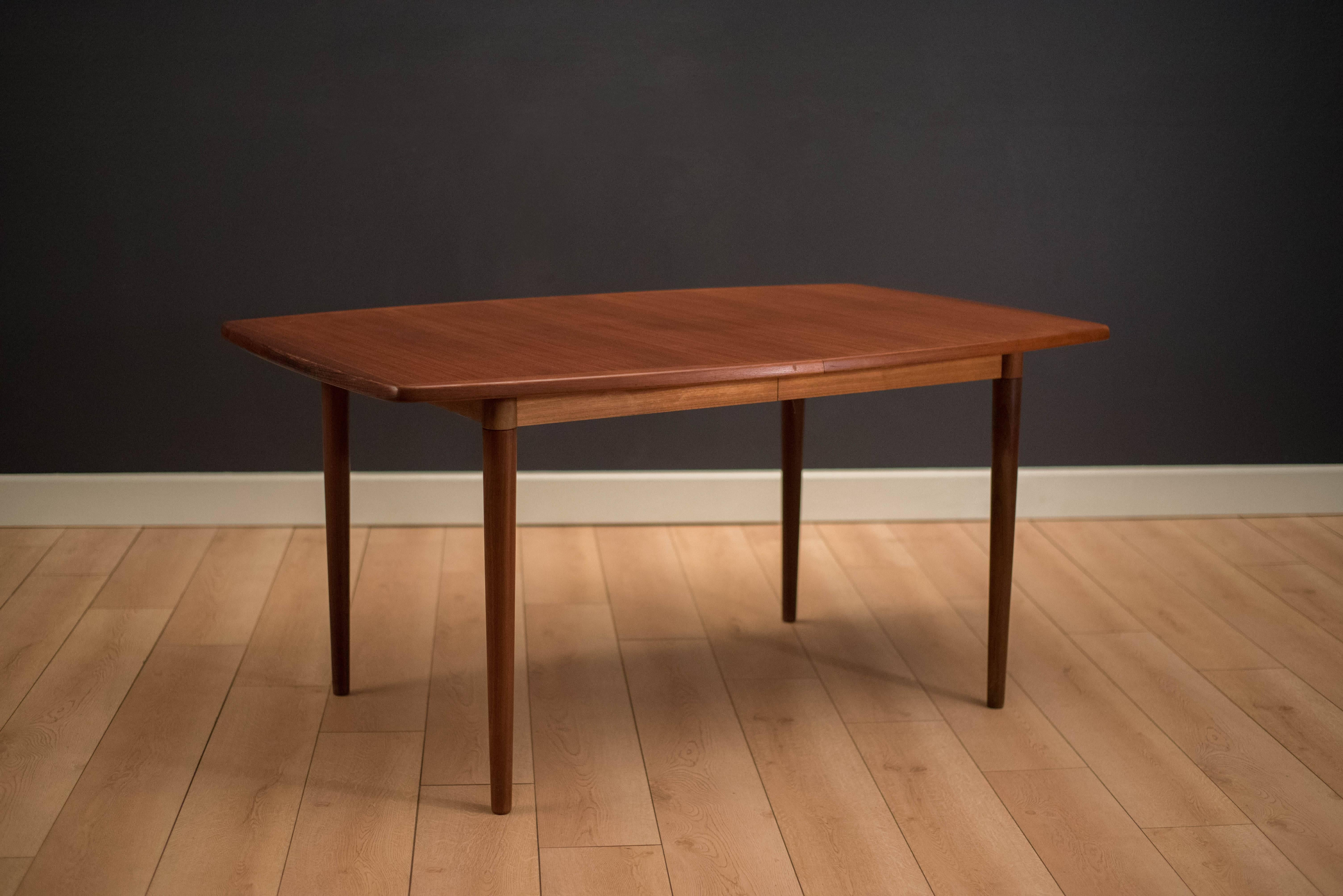 Exceptionnel Mid Century Modern Expandable Dining Table By Gustav Bahus, Norway. This  Piece Features